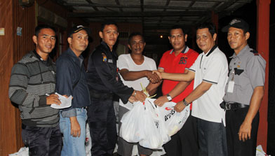 Paket Lebaran, Jhonlin Group, Batulicin, Kalimantan Selatan, CSR, H Isam, h-isam