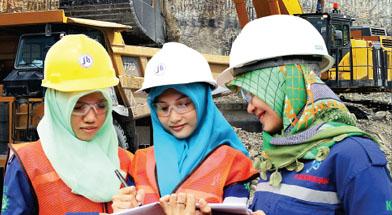 Jhonlin Group, Kalimantan Selatan, Kartini, Batulicin, Tanah Bumbu, h isam