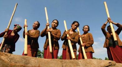 Jhonlin Group, Seni, Kalimantan Selatan, Tanah Bumbu, ?Batulicin, h isam