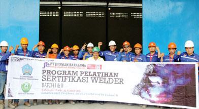 Jhonlin Group, Pelatihan Welder, PT. Jhonlin Baratama, Kalimantan Selatan, Tanah Bumbu, Batulicin, h isam