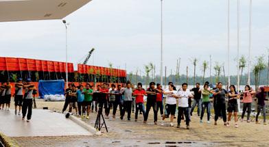 Jhonlin Group, Kalimantan Selatan, Tanah Bumbu, Batulicin, PT. Jhonlin Marine Trans, Senam sehat, h isam
