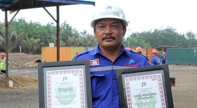 Jhonlin Group, Junaidi Ikut, PT. Jhonlin Baratama, Kalimantan Selatan, Tanah Bumbu, Batulicin, h isam
